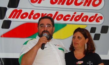 Alexandre com a esposa Lorena, ligados à motovelocidade, Ex- Diretor de Motovelocidade da FGM