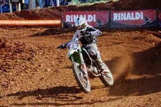 Maiara é pentacampeã gaúcha de Motocross