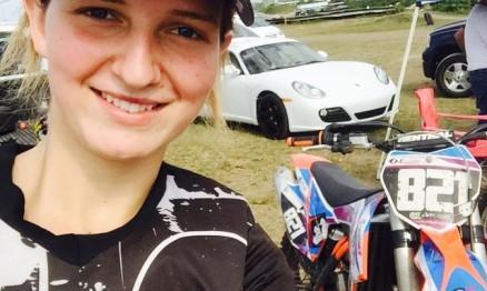 A Gringa enviou uma selfie durante uma sessão de treinos para o Mundocross.