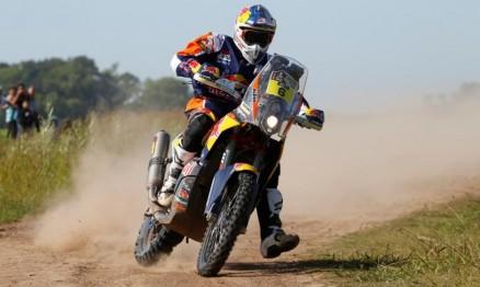Britânico surpreende favoritos e vence primeira etapa das motos no Dakar 2015 f