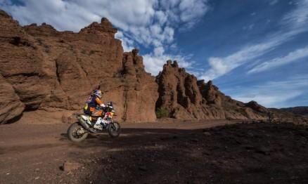Espanhol confirma favoritismo e é pentacampeão das motos no Rally Dakar