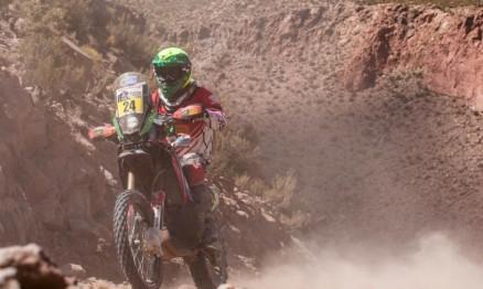 Brasileiro termina em 14º nas motos e continua na 37ª edição do principal rali do planeta