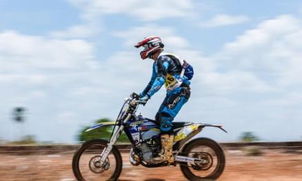 Piauiense Wesley Macedo vence primeira batalha no Rally Piocerá 2015 nas motos