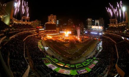 O estádio do Petco Park recebeu pela primeira vez uma etapa do AMA Supercross.