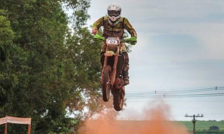 Irmãos Sacilotti são destaques no Brasileiro de Rally Baja para motos