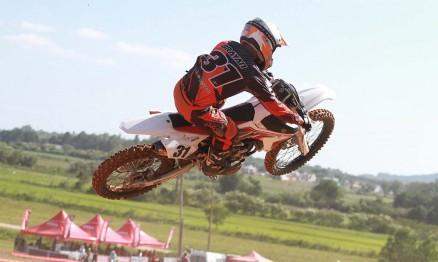 Brayan Soares dominou o primeiro dia da abertura do Rinaldi Gaúcho de Motocross