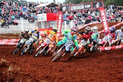 Brasileiro de Motocross abre em Marau no domingo do dia das mães