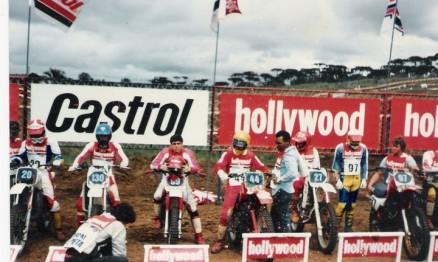 1986: Campeonato Hollywood de Motocross em Curitiba, Nuno #44 ao lado de Nasri Sarkiss #99.
