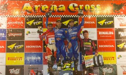 Yamaha Grupo Geração no topo do pódio da penúltima etapa do Arena Cross 2015 nas categorias Pró e Júnior