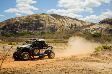 Rally dos Amigos encerra o Brasileiro de Rally Baja