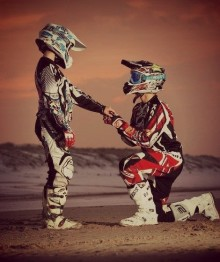 O amor está no ar no mundo do Motocross