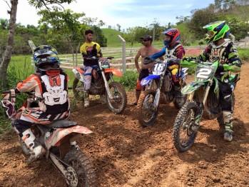 Colônias de férias do Motocross