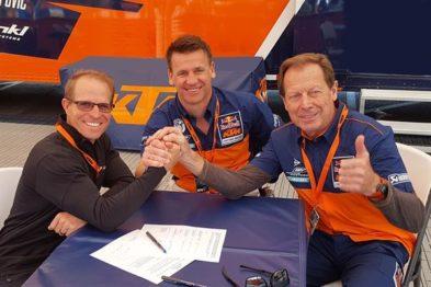 Aldon Baker assina contrato com a KTM