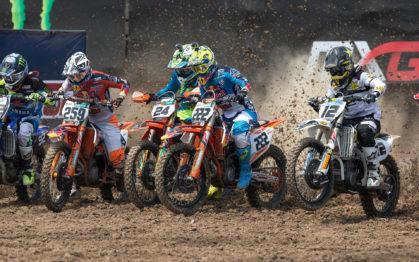 139879_Glenn-Coldenhoff_-Shaun-Simpson-_-Tony-Cairoli-KTM-450-SX-F-Start-Suphan-Buri-2016