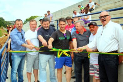 Inaugurada a arquibancada fixa na pista da ASCAVE