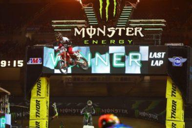 Resultados da 12a etapa do AMA Supercross 2017 em Detroit