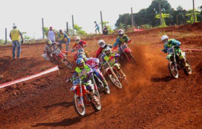 Duelos em Nova Prata acirra a disputa pela liderança do regional de motocross