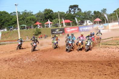 Pro Tork Gaúcho de Motocross faz a festa no Parque da FENACHIM nos 39 anos do MOCVA