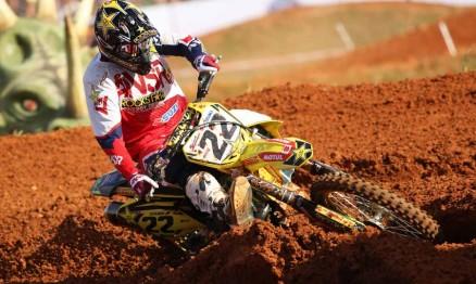 Suzuki domina treinos do Mundial de MX em Penha