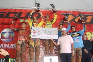 Chuva não dá trégua e garante boas disputas na 3a etapa da Copa Minas de Motocross