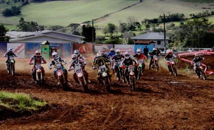 Paraí recebe a 5a etapa do Campeonato Centro/Serra Ipiranga de Motocross