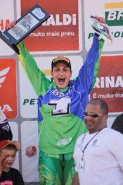 Mariana Balbi confirma participação em duas etapas do Mundial de Motocross