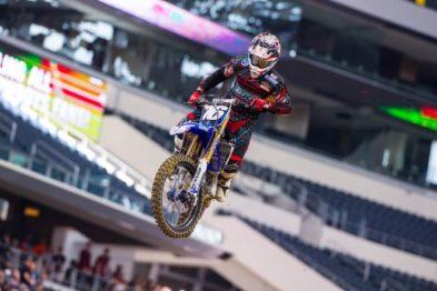 Scott Champion renova com a Barn Pros/Home Depot Yamaha