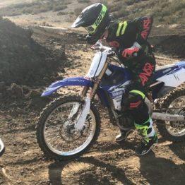 Sem equipe para 2017, Dean Wilson treina em Milestone com moto emprestada