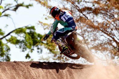 Campano vence a MX1 e segue na liderança do Brasileiro de Motocross