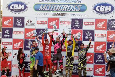 Willian Guimarães vence e segue invicto no Brasileiro de Motocross