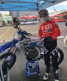 Enzo sofre queda no Ama Supercross e busca recuperação para correr domingo